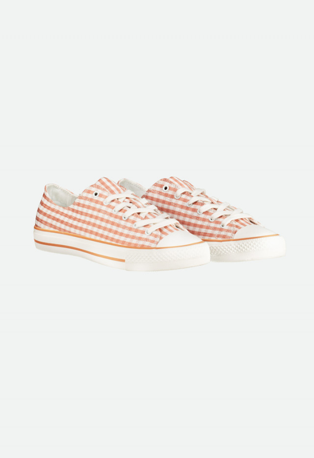 Low Top Checkered Shoes